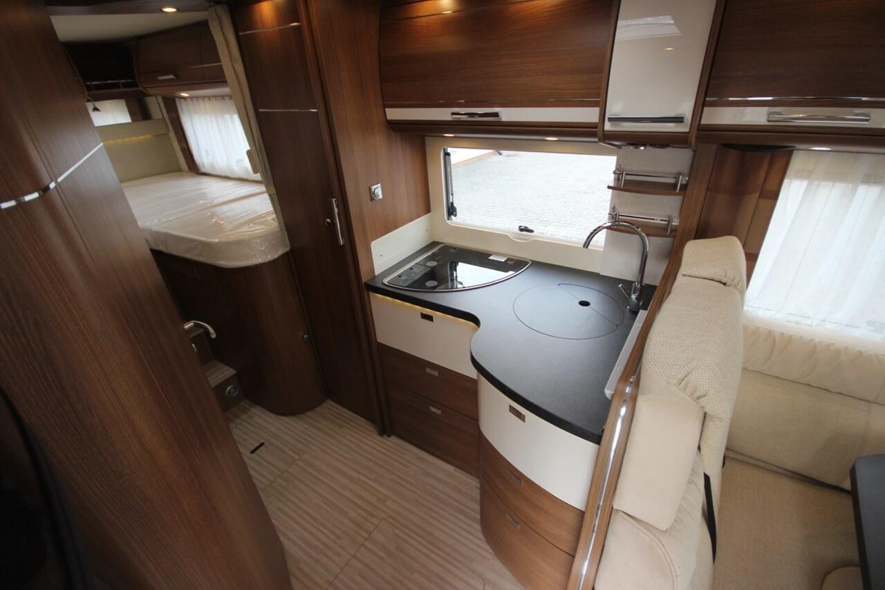 obytn v z carthago c tourer i 148 caravan moravia. Black Bedroom Furniture Sets. Home Design Ideas